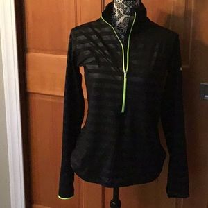 Nike Pro Dri-fit 1/2 zip. Large